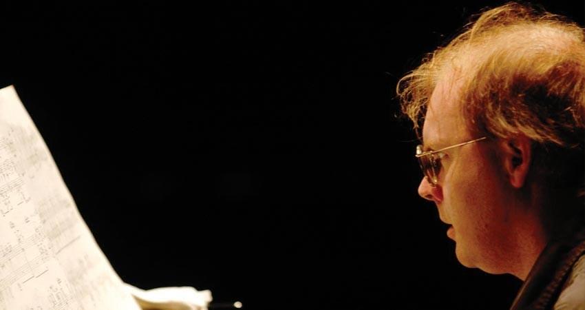 Ian Pace (piano)